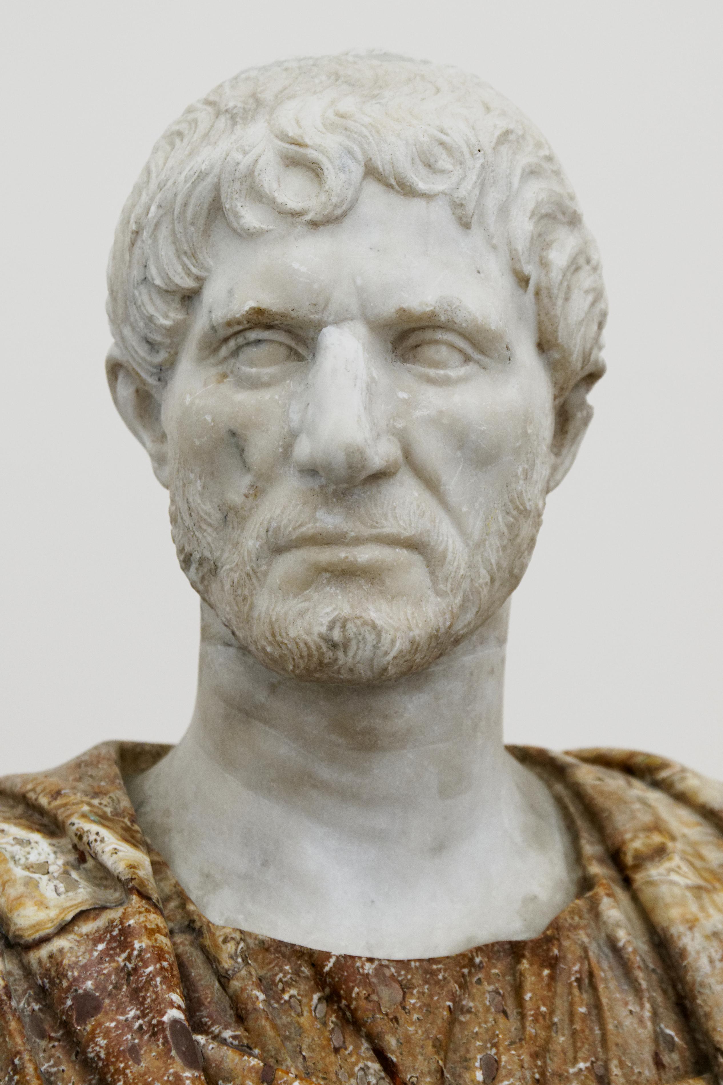 marcus junius brutus notes « toi aussi, mon fils » c'est à ce cri de jules césar que marcus junius brutus doit sa célébrité né vers 85 av j-c.