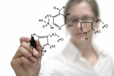 Chemistry-woman-550x366-e1348136901291