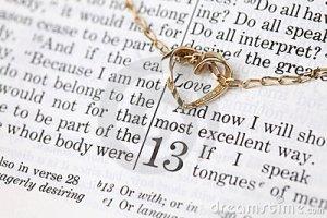 bijbel-en-gouden-hart-17782123 liefde