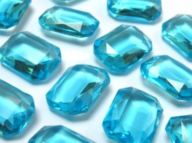 1000px-Octagon_glas_puntsteen_aquamarijn_blauw_14x10_mm