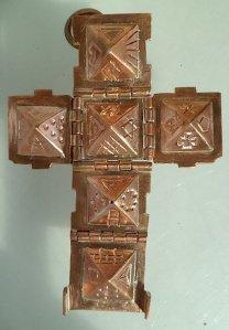 ed674b50-33ff-11e4-8428-9c5f243cdf6b latijns kruis