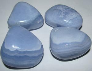 chalcedoon-trommelstenen