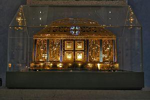 Schrijn van de relieken van Hildegard van Bingen