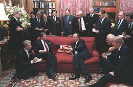 260px-gorbachev_and_reagan_1985-8